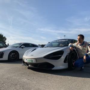 McLaren 720s vs Audi R8
